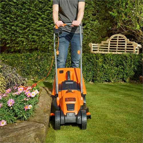 Black and Decker - 1200W grsklippare 32cm - EMAX32S